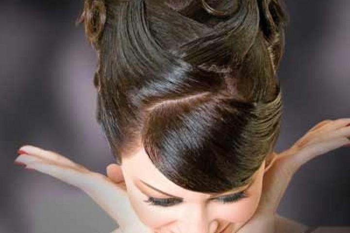 Modele të ndryshme flokësh për nuse dhe jo vetem
