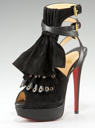 Shijoni këpucë, sandale, çizme të ndryshme nga Christian Louboutin