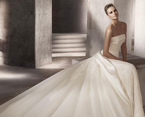 wedding-dresses-Bridal-Bouquets-ideas-rings-happy-love-romantic-01