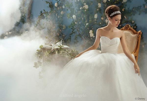 wedding-dresses-Bridal-Bouquets-ideas-rings-happy-love-romantic-08