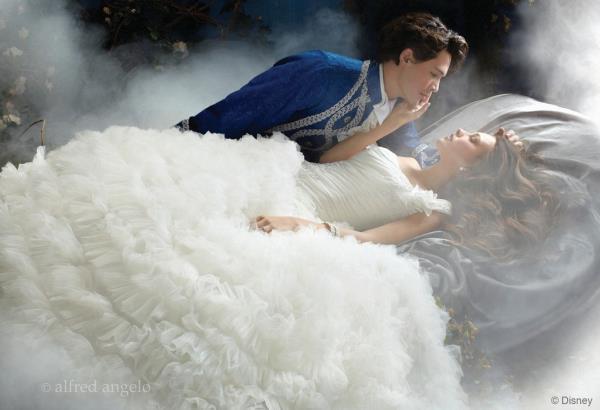wedding-dresses-Bridal-Bouquets-ideas-rings-happy-love-romantic-09