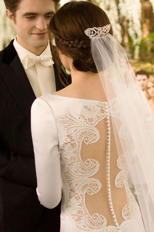 wedding-dresses-Bridal-Bouquets-ideas-rings-happy-love-romantic-13