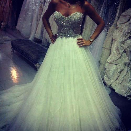 wedding-dresses-Bridal-Bouquets-ideas-rings-happy-love-romantic-16