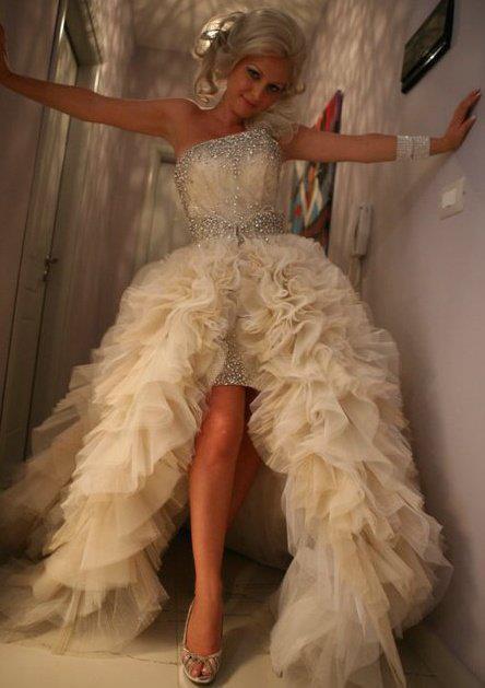 wedding-dresses-Bridal-Bouquets-ideas-rings-happy-love-romantic-20