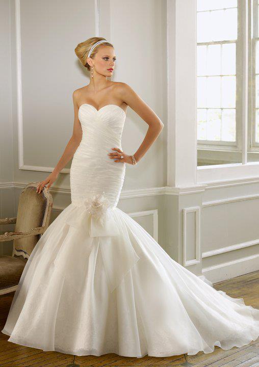 wedding-dresses-Bridal-Bouquets-ideas-rings-happy-love-romantic-21
