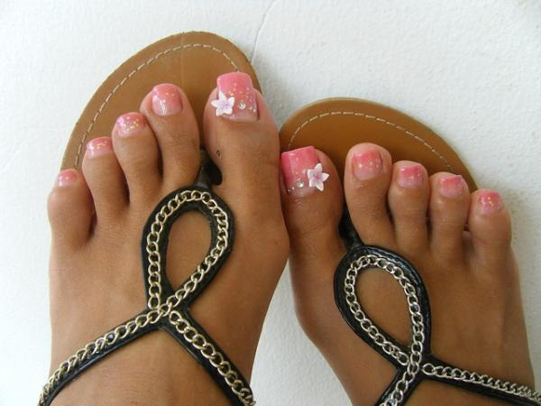gel-nail-fading-effect-with-3d