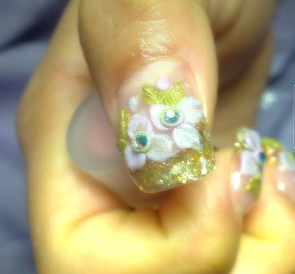 mareva-nail-art