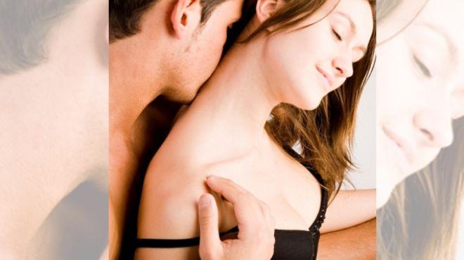 Kissing-Couple-Love