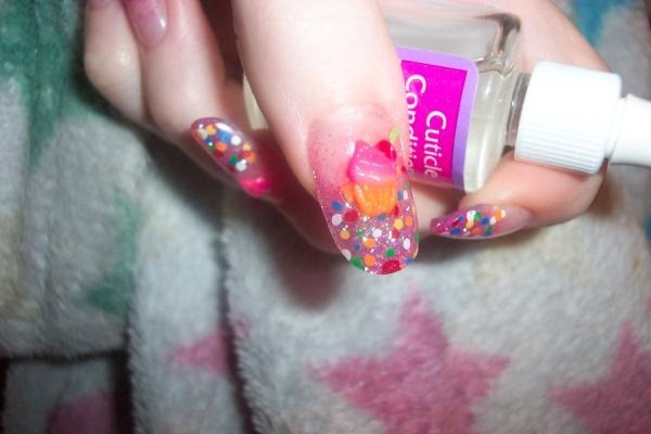 3d-cupcake-nail-art