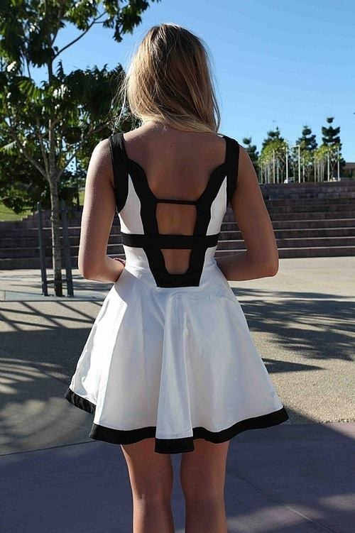 beauty-hot-sexy-girls-backless-clothes-fashion-55