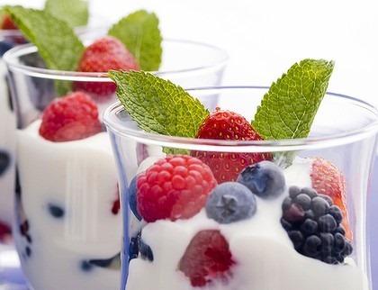 yoghurt_fruit-dita-bukurie-fytyre-ushqime-receta-keshilla-maska-fytyre