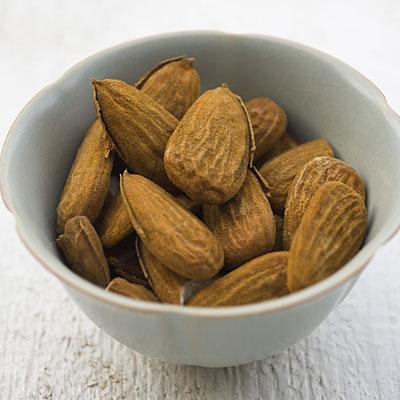 almonds-superfood-dieta-ushqime-food