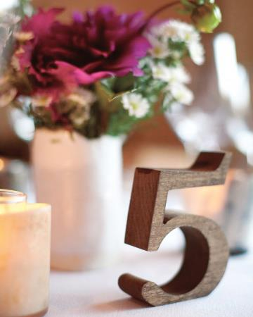 wedding planning-tavolina-tables-ideas-numbers-flowers-07
