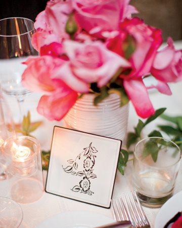 wedding planning-tavolina-tables-ideas-numbers-flowers-09