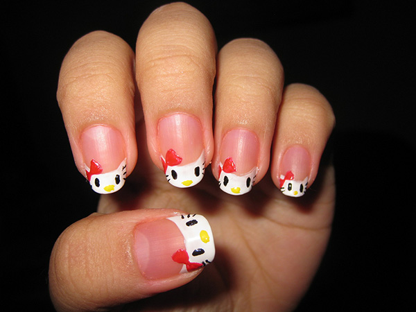 hello-kitty-nail-art