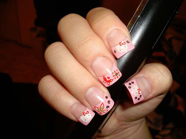hello-kitty-nail-painting