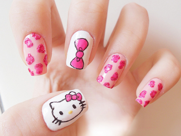 hello-kitty-pretty-nails